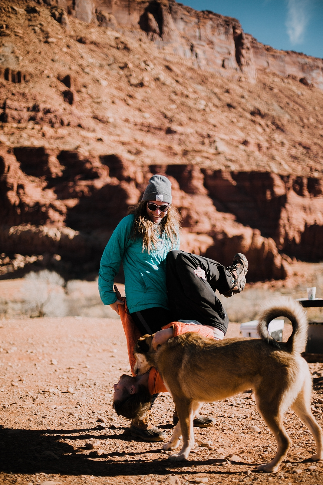 moab-photographer-camp-couples-adventure-session_0007.jpg