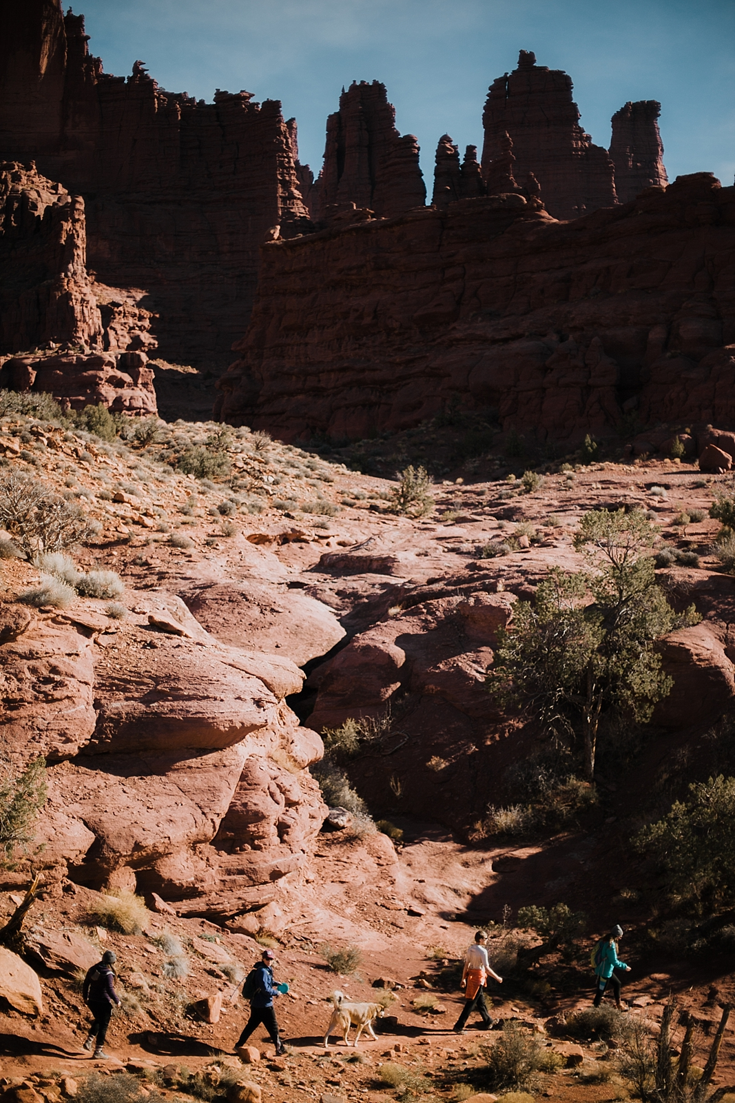 moab-photographer-camp-couples-adventure-session_0009.jpg