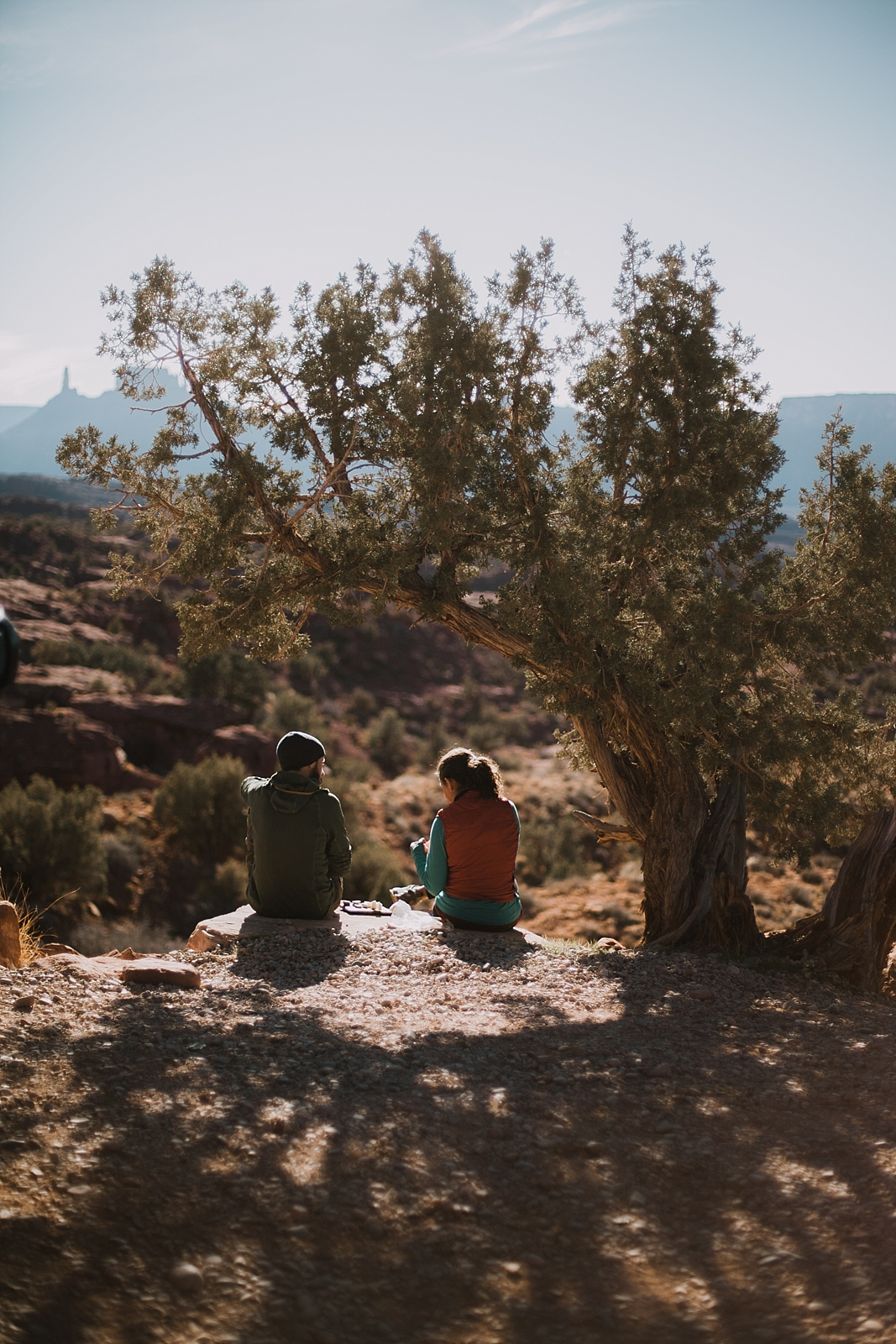 moab-photographer-camp-couples-adventure-session_0011.jpg