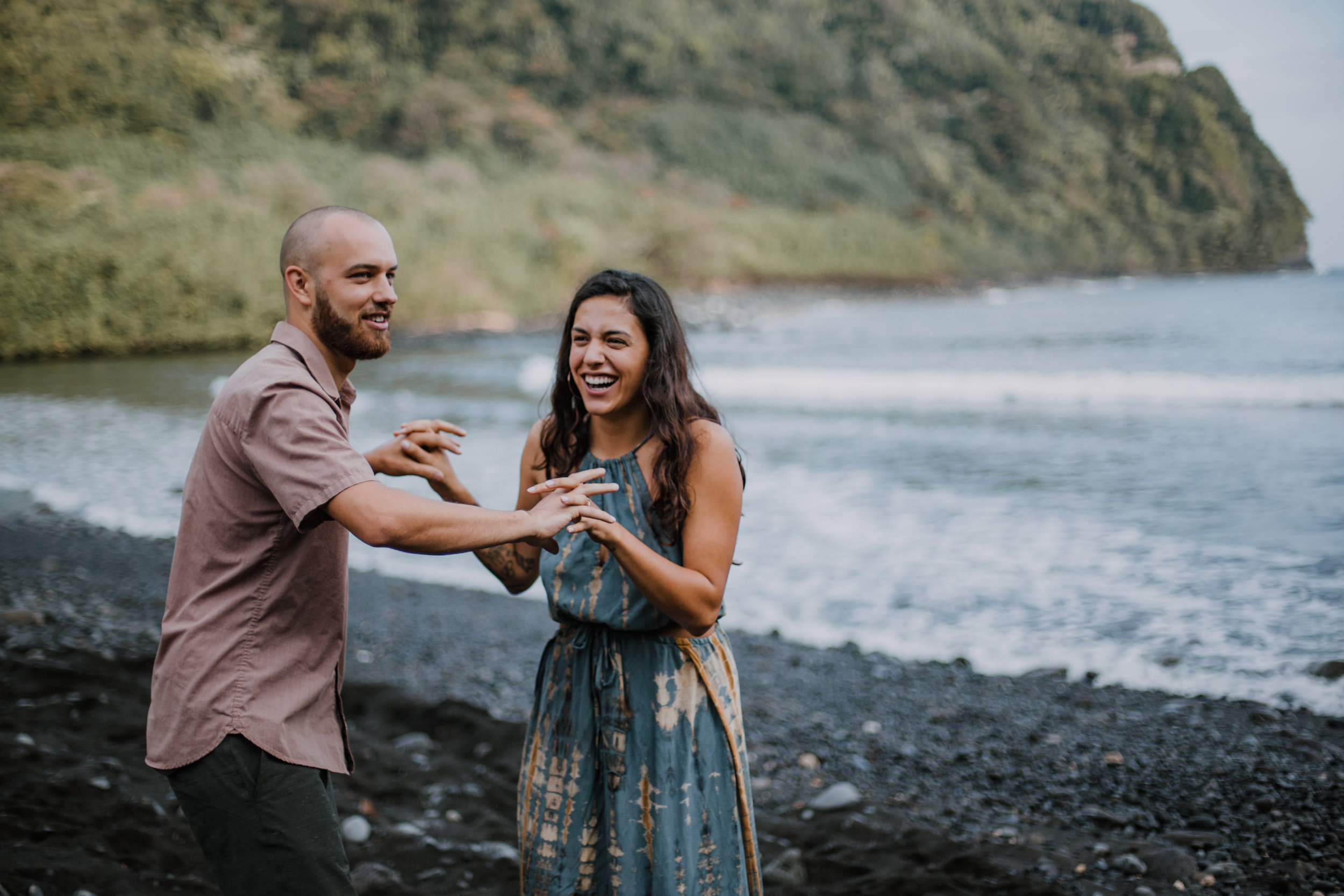 maui black beach couple, island hiking, hawaii waterfall, road to hana, maui waterfall, hawaii wedding photographer, hawaii elopement photographer, maui wedding, maui engagements, maui elopement