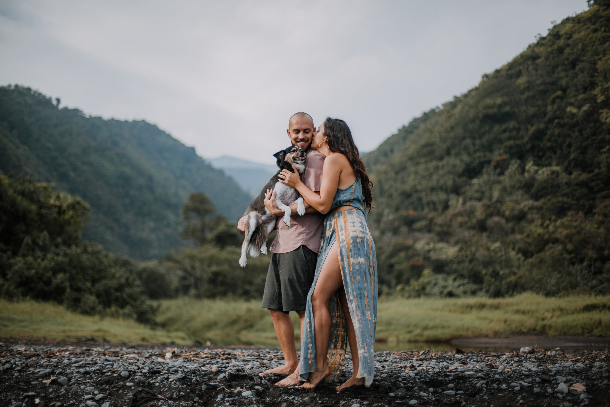 maui puppy, island hiking, hawaii waterfall, road to hana, maui waterfall, hawaii wedding photographer, hawaii elopement photographer, maui wedding, maui engagements, maui elopement