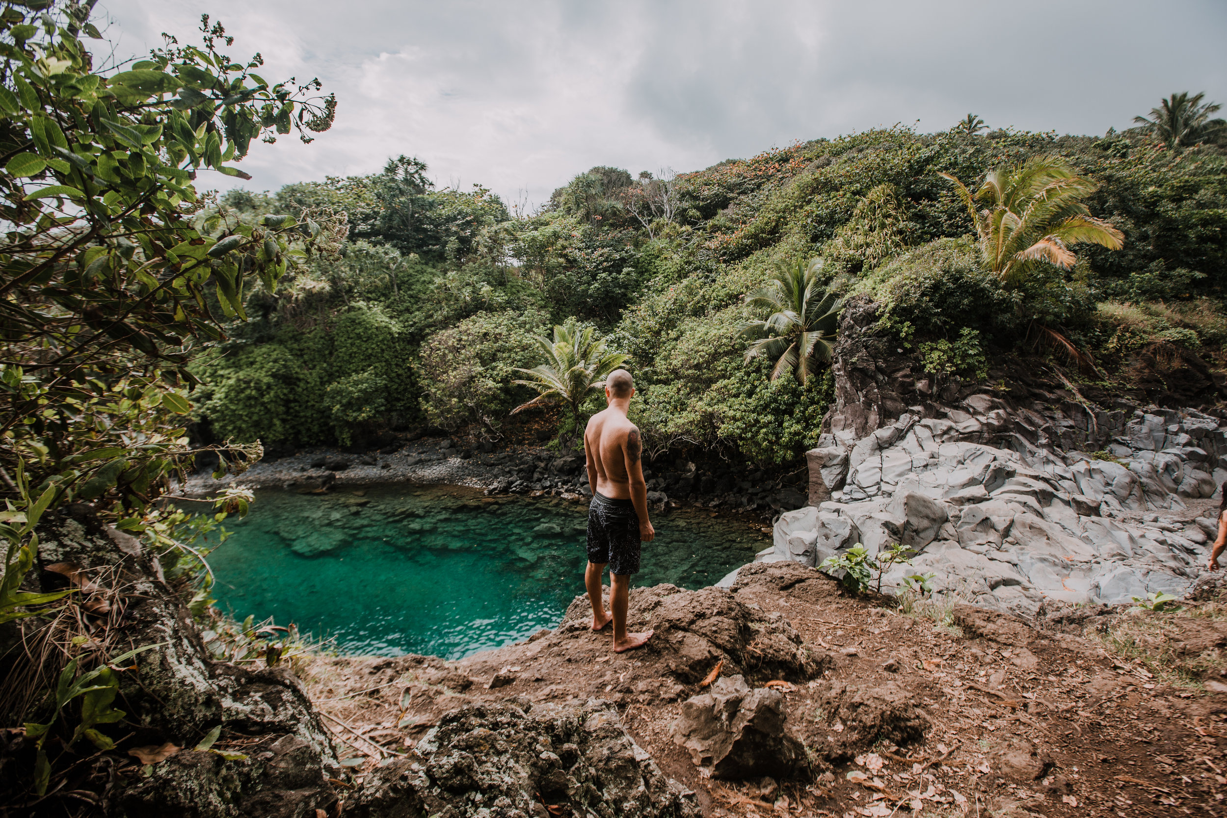 hawaii cliff jumping, seven sacred pools at ohe'o, island hiking, road to hana, hawaii wedding photographer, hawaii elopement photographer, maui wedding, maui engagements, maui elopement