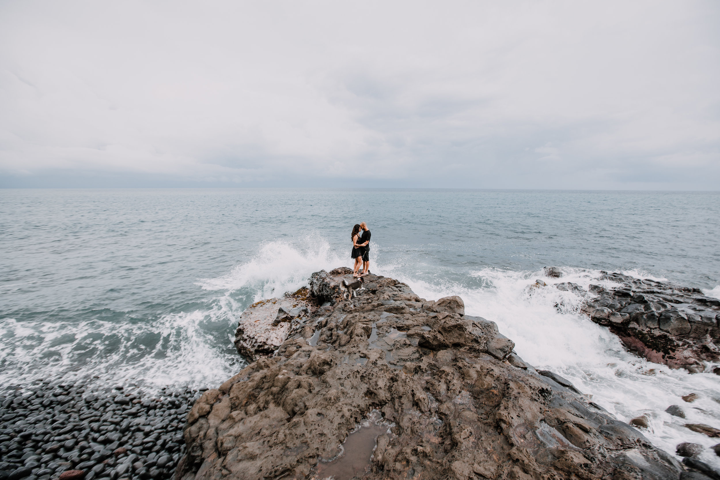 kaupo beach, hawaiian volcanic eruption, lava rock, haleakala national park, hawaii wedding photographer, hawaii elopement photographer, maui wedding, maui engagements, maui elopement