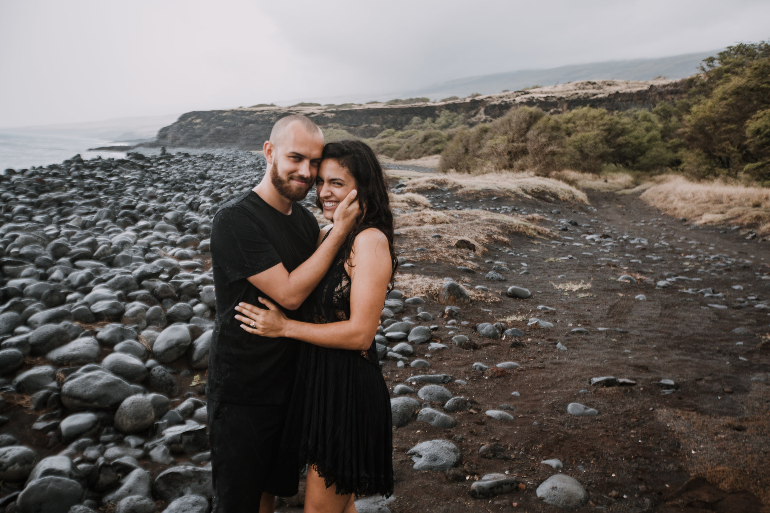 couple on kaupo beach, hawaiian volcanic eruption, lava rock, haleakala national park, hawaii wedding photographer, hawaii elopement photographer, maui wedding, maui engagements, maui elopement