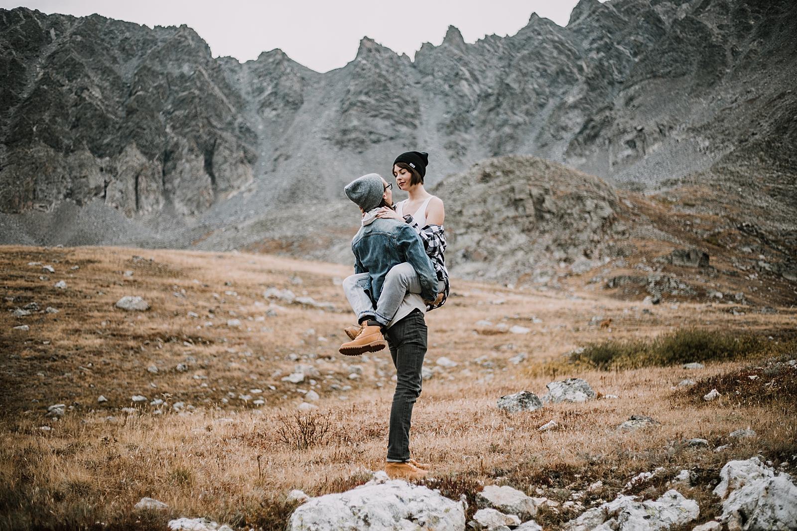 colorado hikers, hike mayflower gulch, mayflower gulch proposal, mayflower gulch elopement, mayflower gulch wedding, mayflower gulch engagments, leadville elopement, leadville hiking wedding