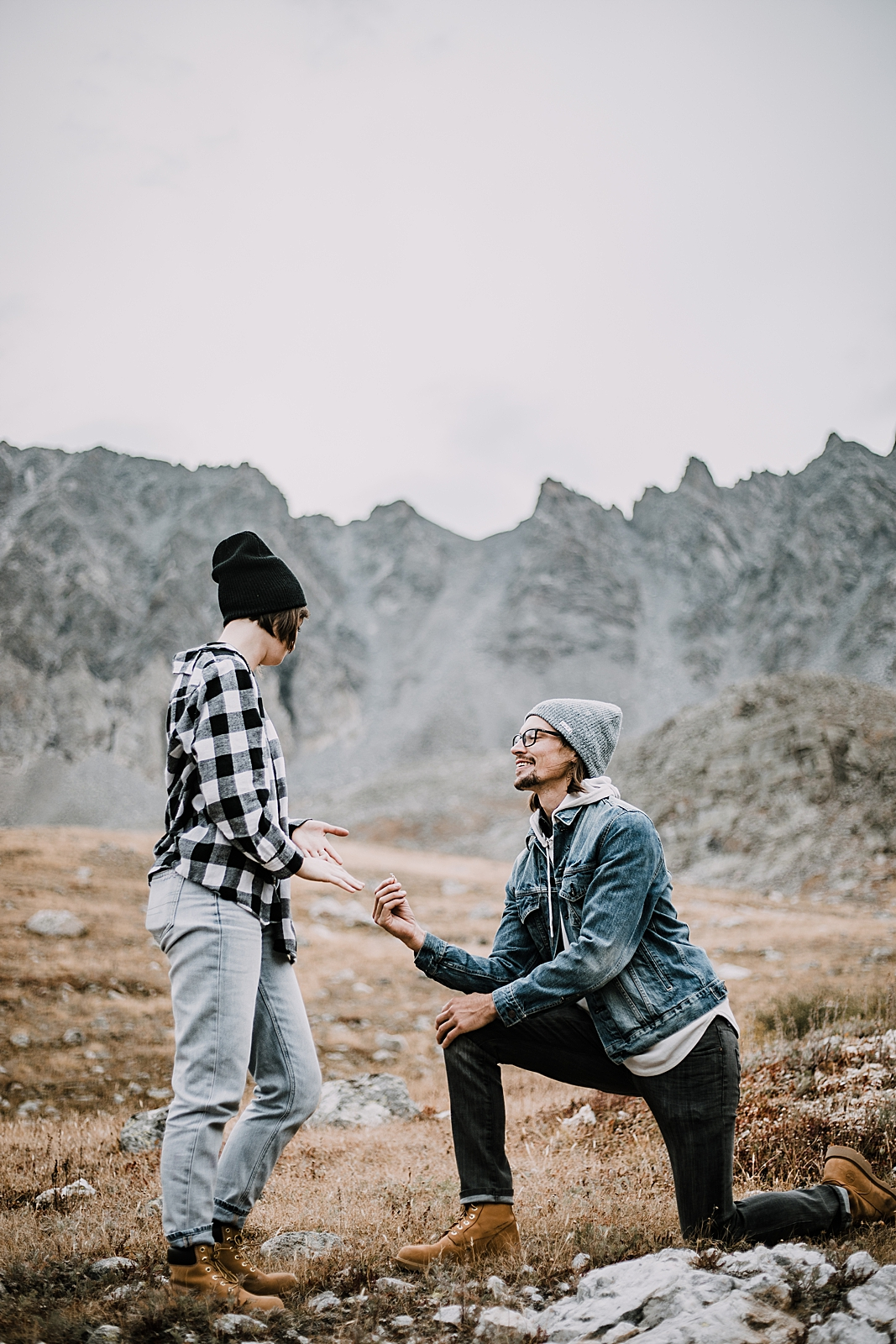 man proposing, colorado surprise proposal, hike mayflower gulch, mayflower gulch proposal, mayflower gulch elopement, mayflower gulch wedding, mayflower gulch engagments, leadville elopement