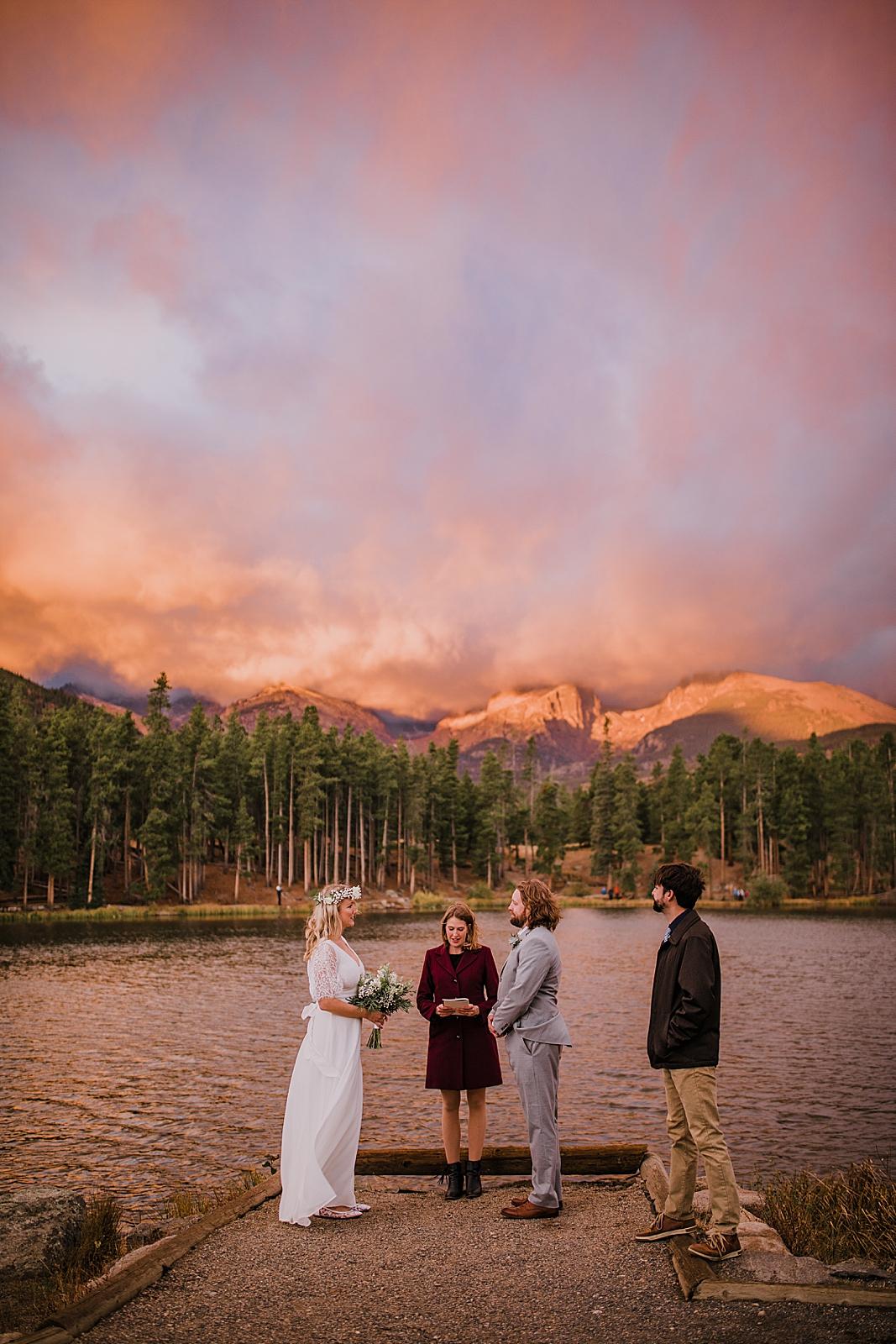 sprague lake elopement ceremony, sunrise elopement, colorado elopement, sprague lake elopement, sprague lake wedding, rocky mountain national park elopement, adventurous colorado hiking elopement
