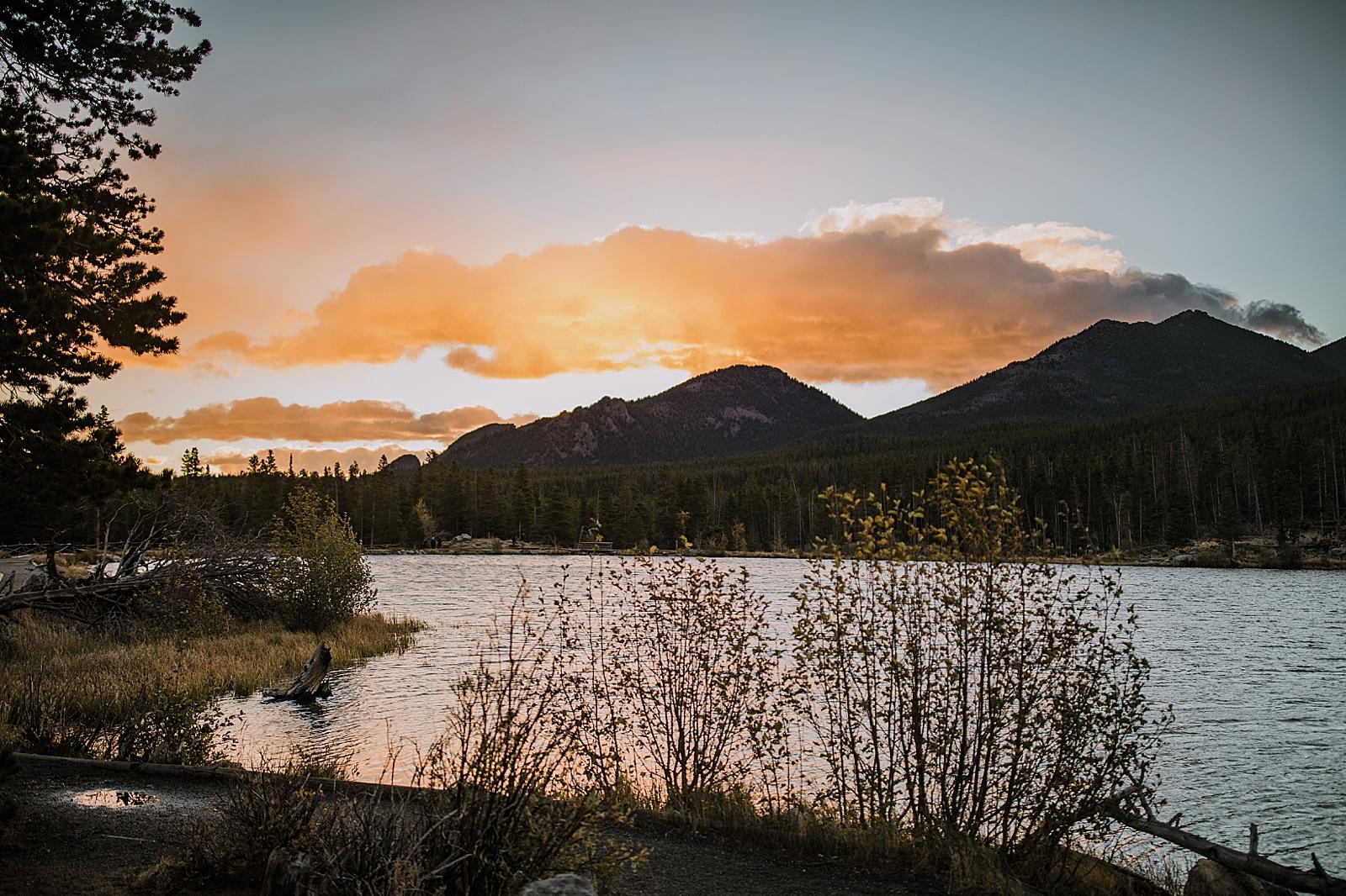 sprague lake sunrise, sunrise elopement, colorado elopement, sprague lake elopement, sprague lake wedding, rocky mountain national park elopement, adventurous colorado hiking elopement