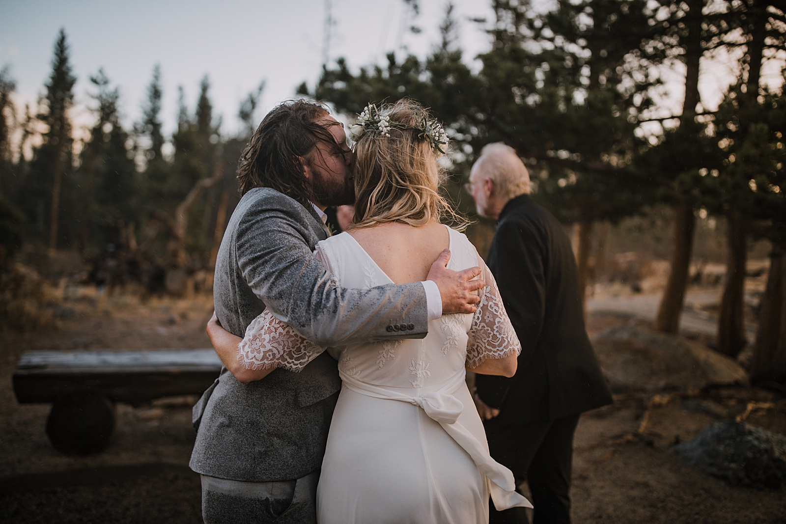 elopement kiss, sprague lake dock elopement, sunrise elopement, colorado elopement, sprague lake elopement, rocky mountain national park elopement, adventurous colorado hiking elopement