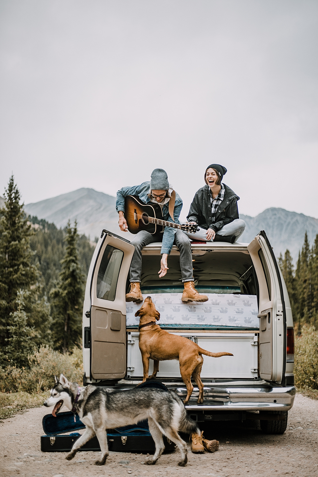 couple living in van with dogs, hiking mayflower gulch leadville and copper colorado, off road jeeping to mayflower gulch, sunrise at mayflower gulch, leadville wedding photographer, mountain vanlife