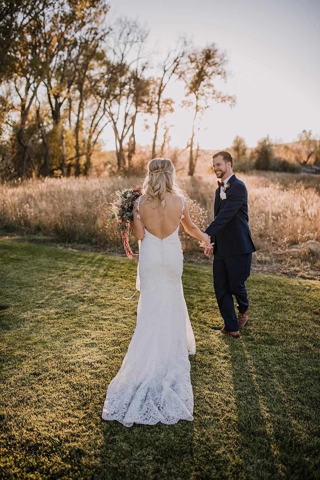 wedding couple, sweetheart winery sunset, sweetheart winery wedding, hiking near the sweetheart winery, hiking in loveland colorado, loveland wedding photographer