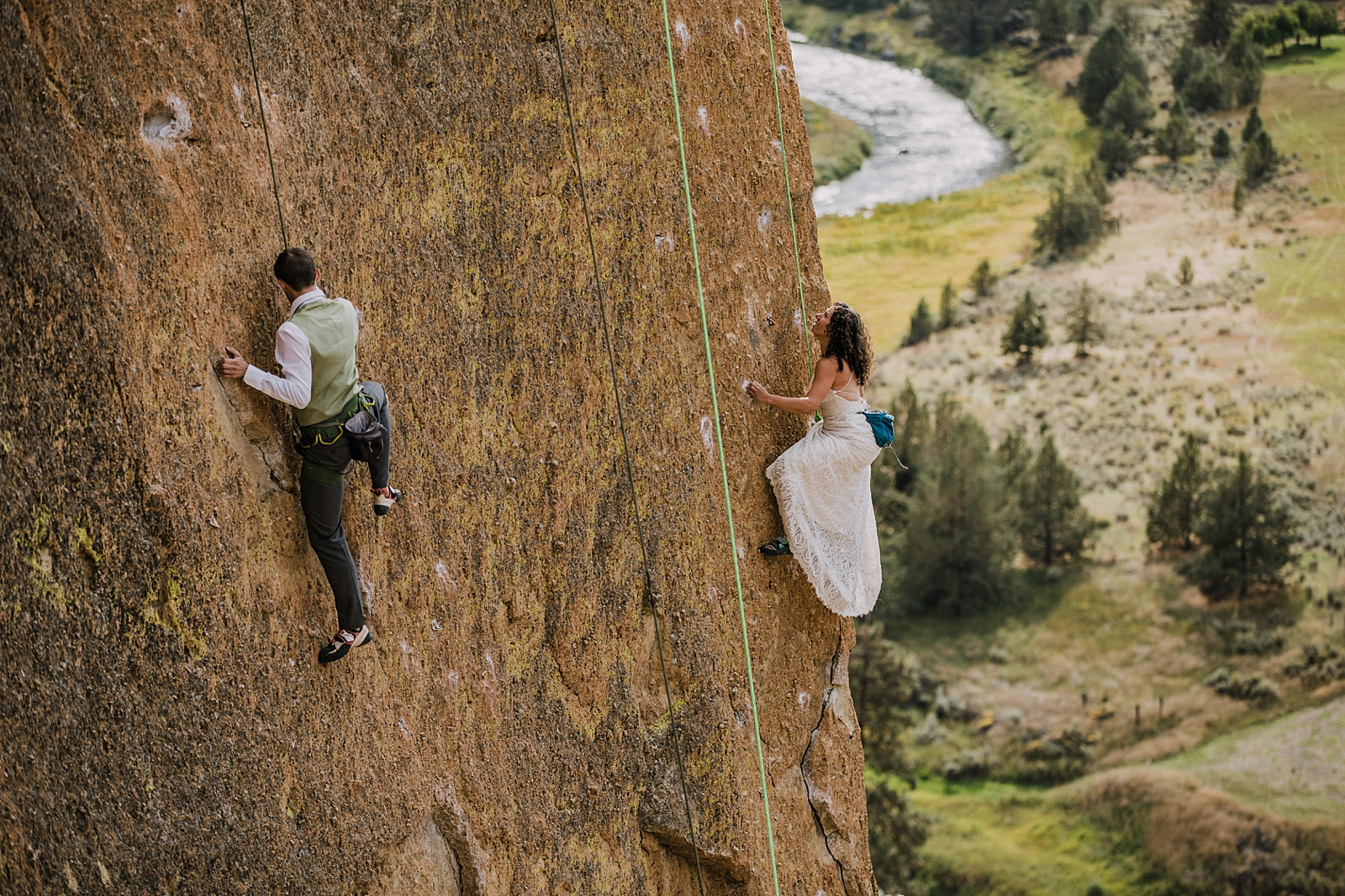 bride and groom climbing in smith rock state park, smith rock state park rock climbing, rock climbing elopement, screaming yellow zonkers, moons of pluto, smith rock elopement