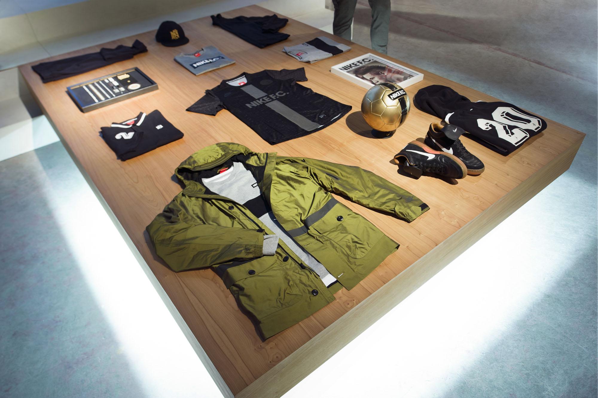 4_retail_NIKE_RIO_027_v1.jpg