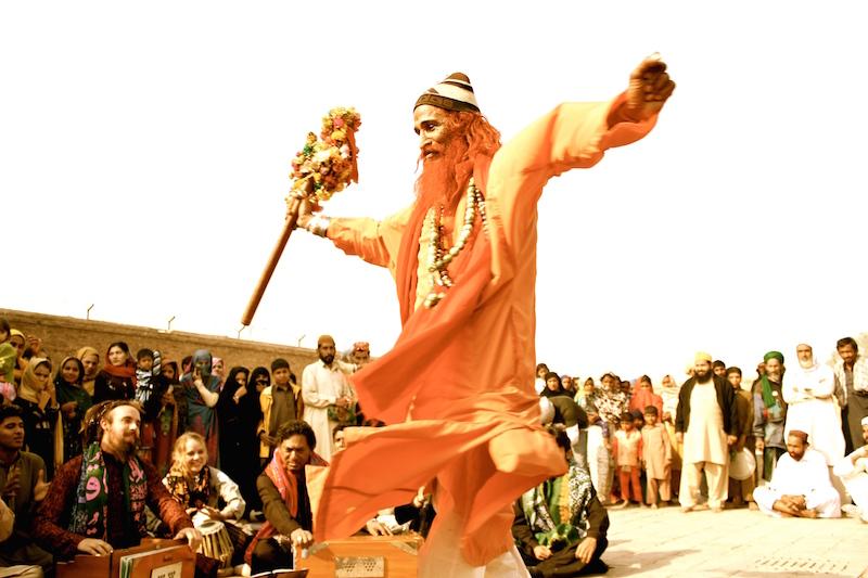 Dervish @ Dargah Bahauddin Zakriya, Multan