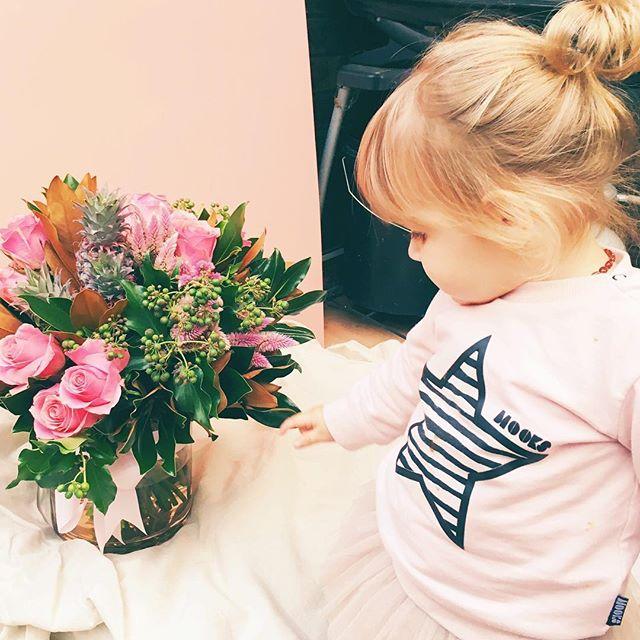 My little helper #fetedefleur #flowerbaby#pink#pinkroses #shireflorist