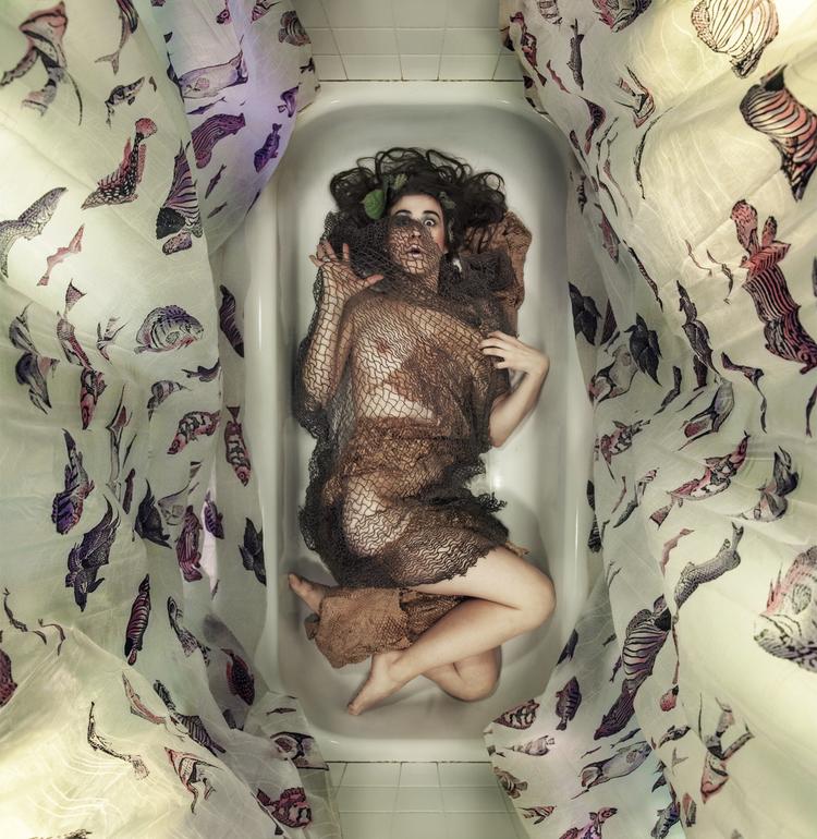 Body in Bathworks_14.png