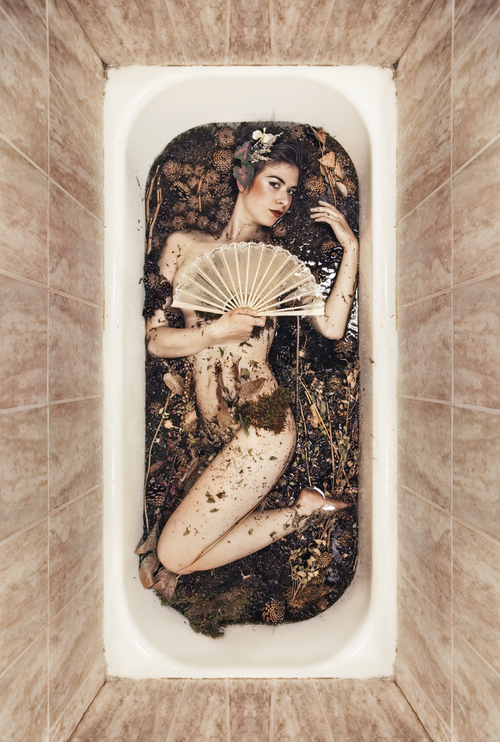 Body in Bathworks_19.png