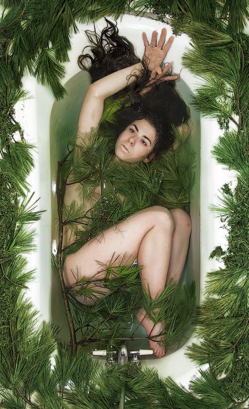 Body in Bathworks_22.png