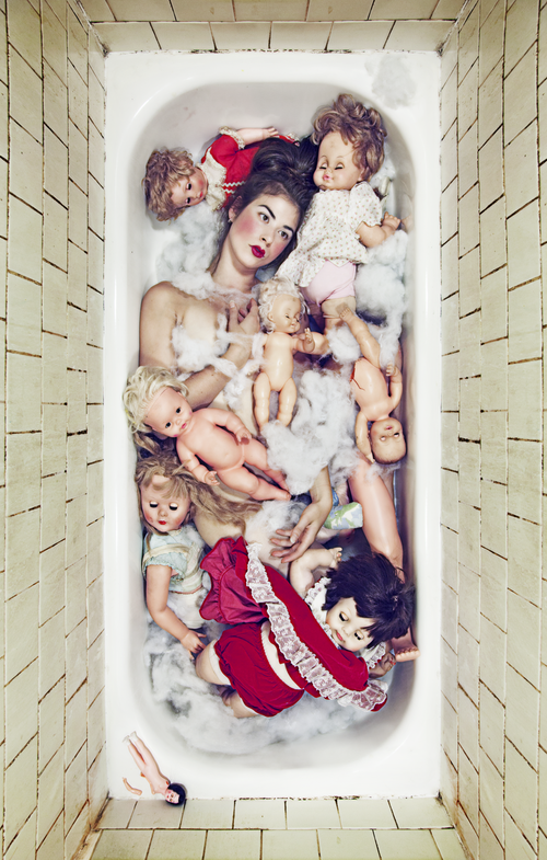 Body in Bathworks_8.png