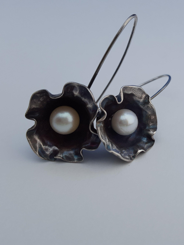 Loomis_Kate_Pearl Flower Earrings.jpg
