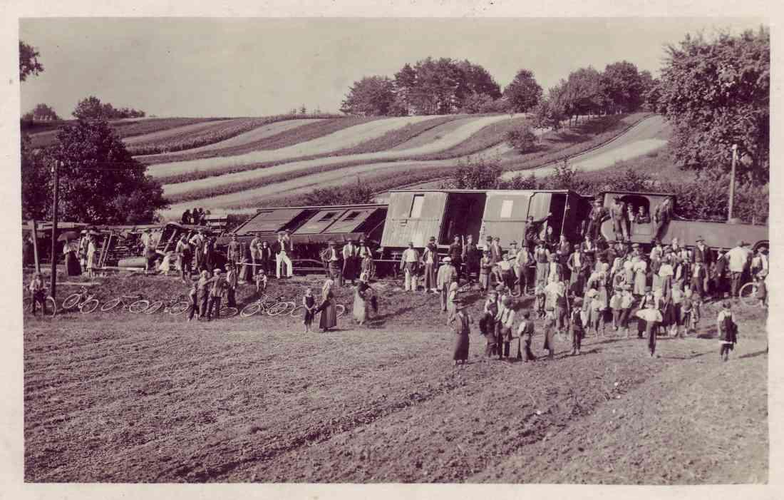 Reidlingsdorf Train Wreck - Original Photo.jpeg