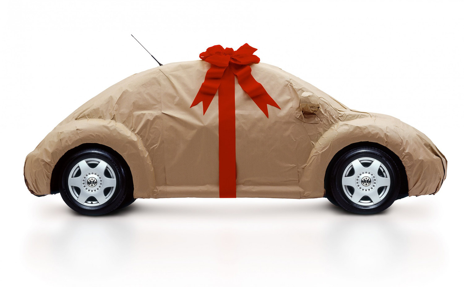 vw-beetle-wrapped-for-christmas.jpg
