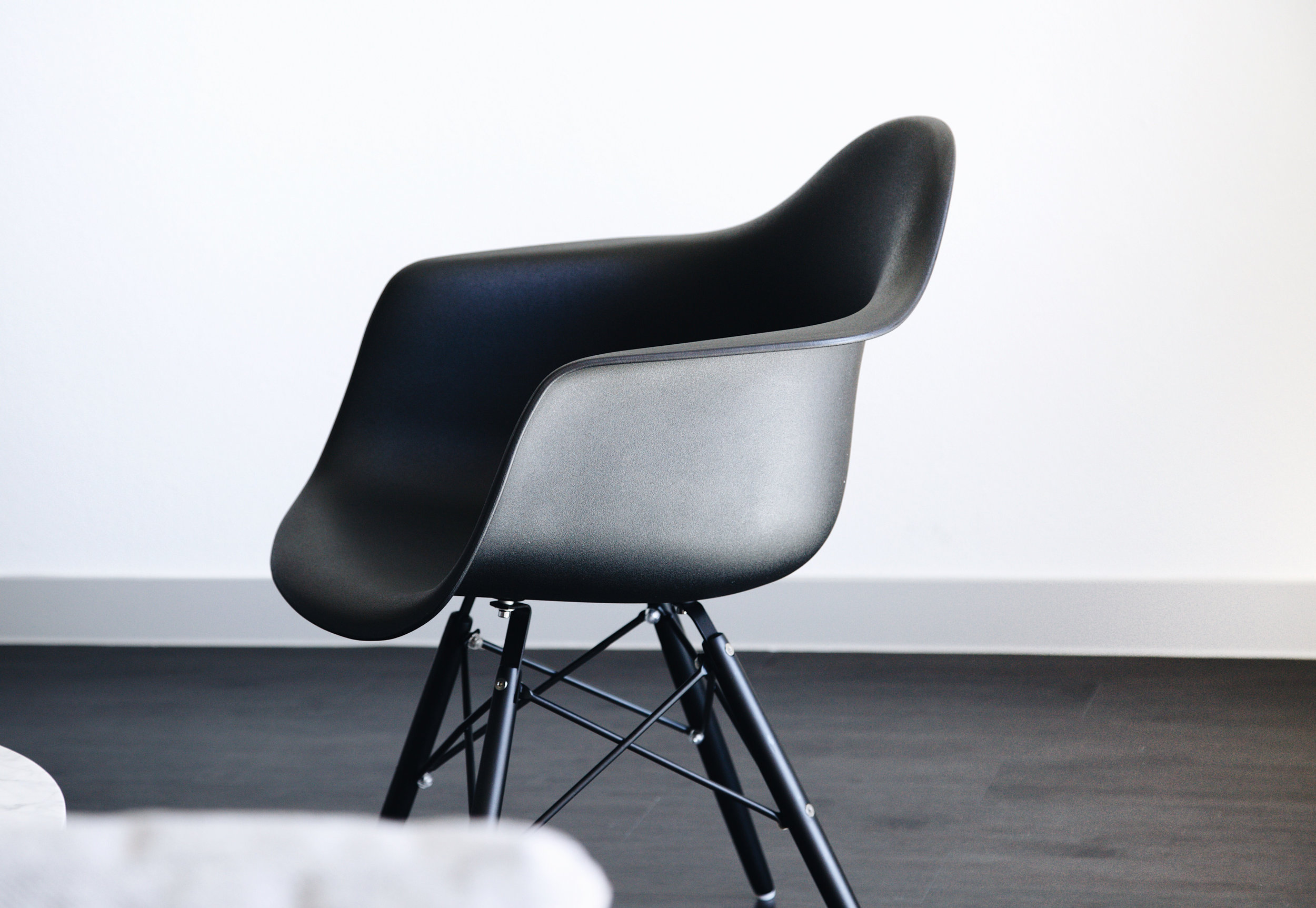 OQ chair black.jpg