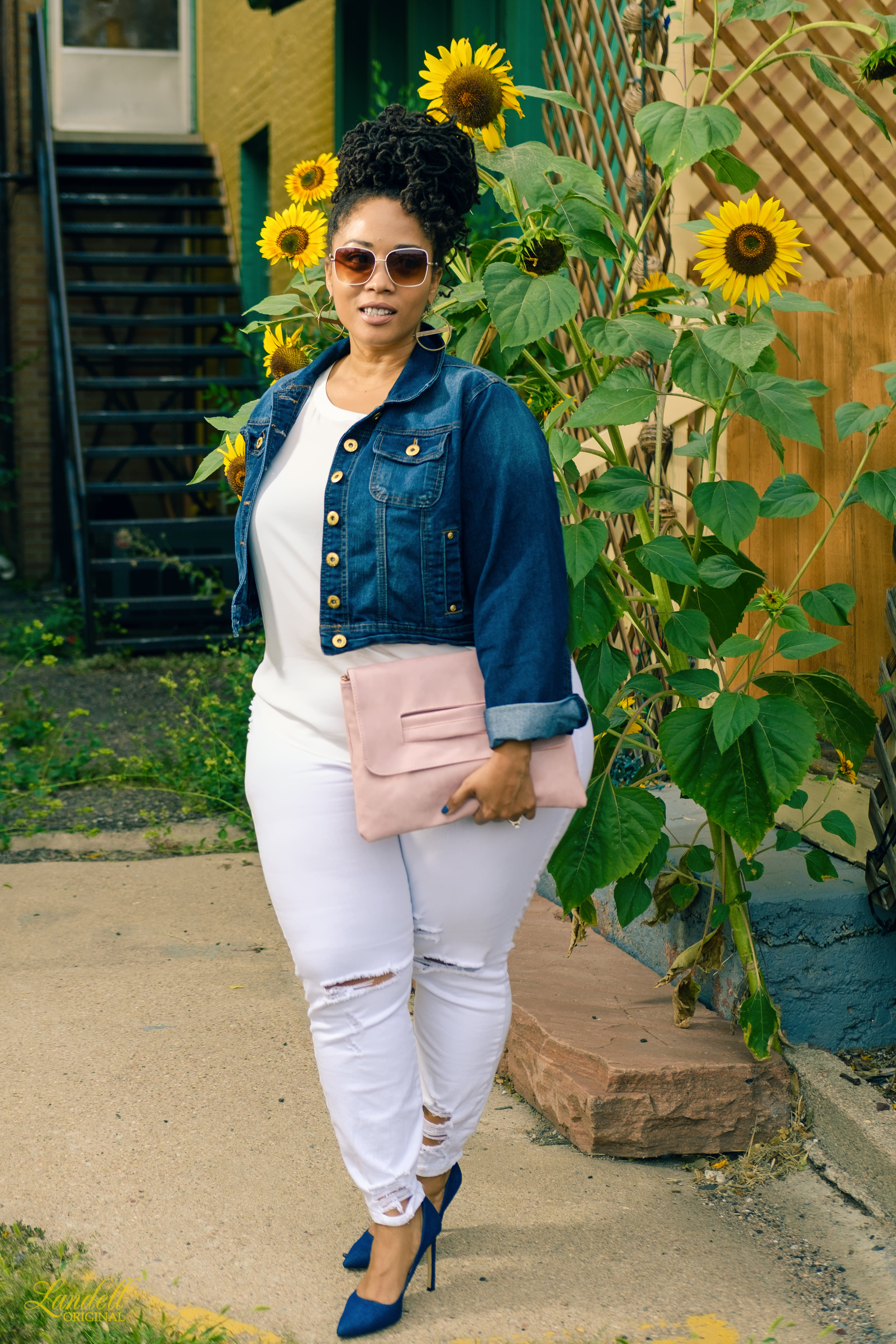 ...Look Details... - Jacket: Vintage Ashley Stewart (similar here)Blouse: Pleione (similar here)Jeans: Forever 21 (similar here)Clutch: KaaumShoes: Nine West