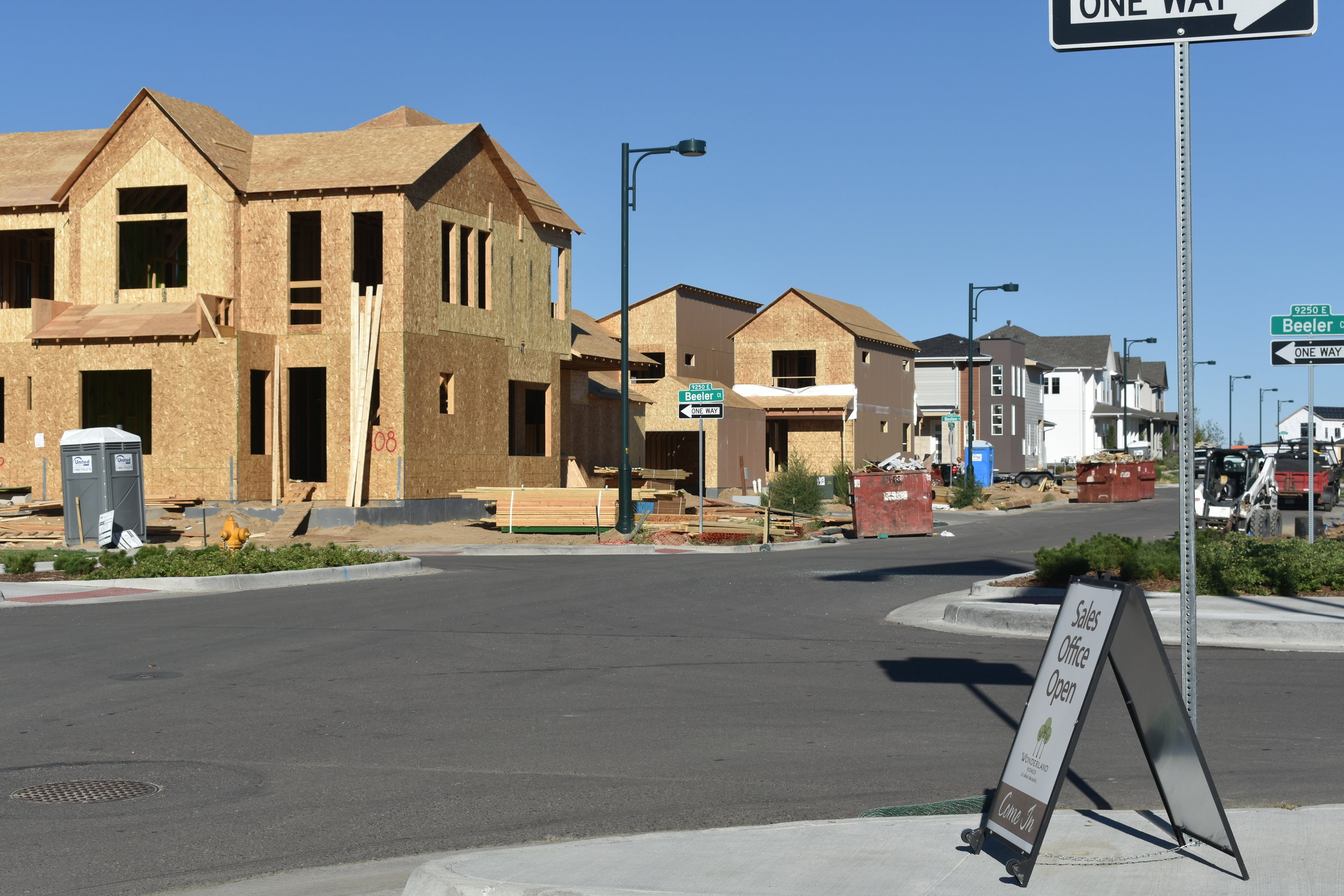 Development in the Beeler Park neighborhood in Aurora, where numerous low-rent homes are being constructed. DPS estimates that Stapleton schools will see an increase of over 1,000 students by 2021. (Credit: Sarah Ford)