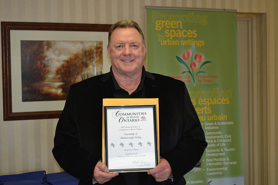 Madawaska Valley Award with Parl Ronan-LZ.jpg