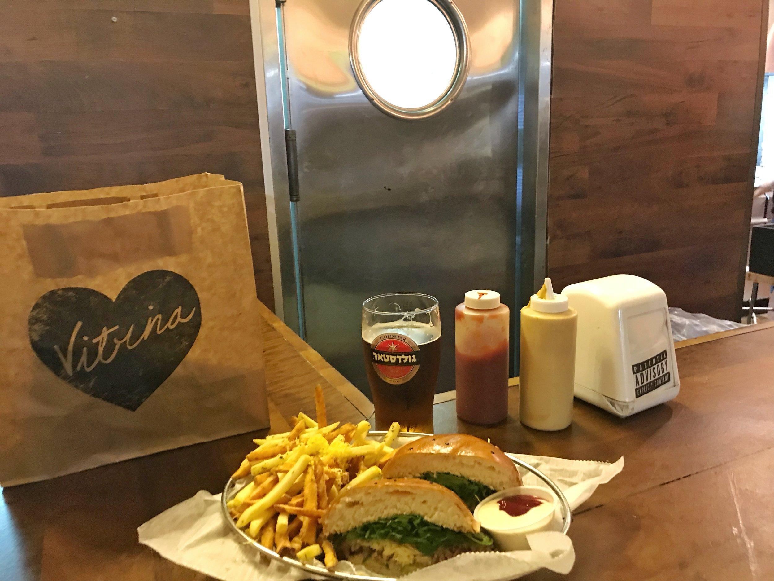 Vitrina best burger Tel Aviv