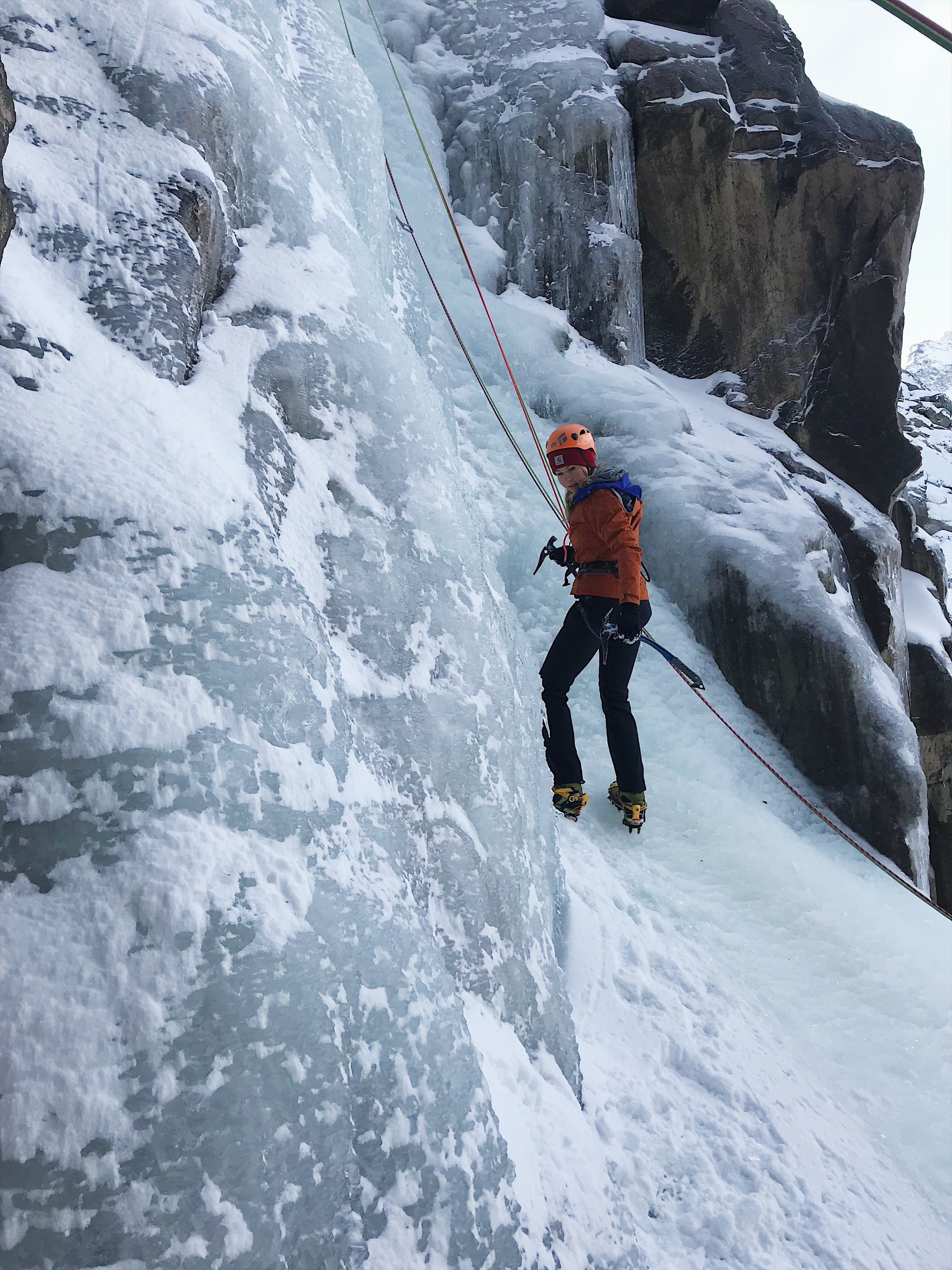 cogne ice climbing adventure base