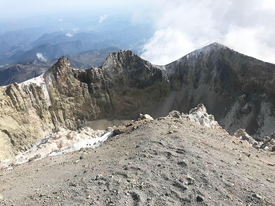 summit1.jpg