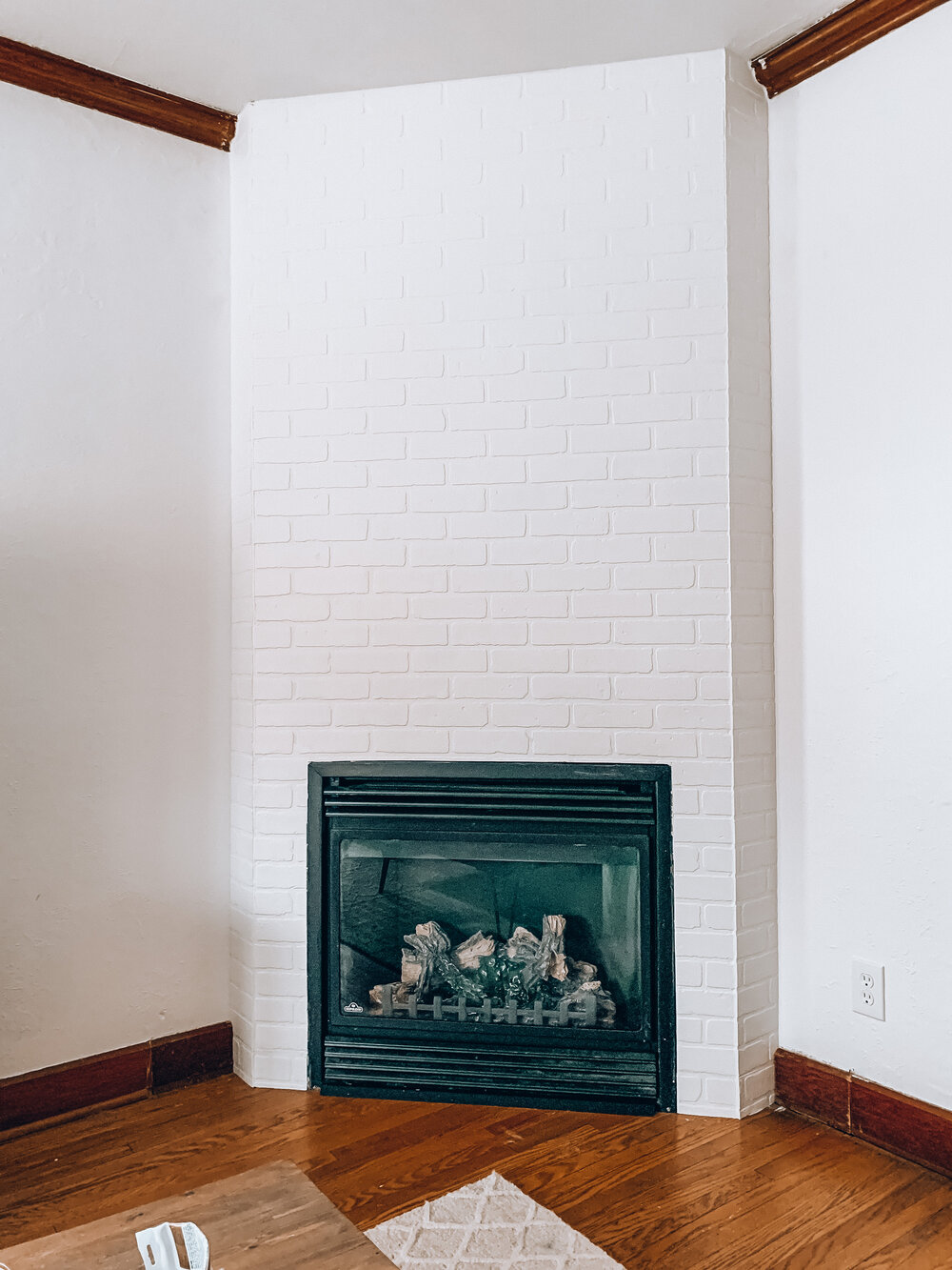 Diy Faux Brick Fireplace Surround One Room Challenge Week Three Mel Makes A Mess
