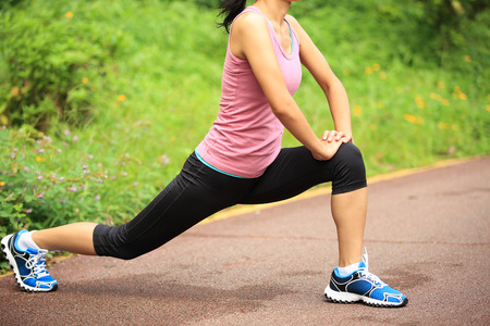 50528994_S_runner_female_stretching_sneakers_lunge.jpg
