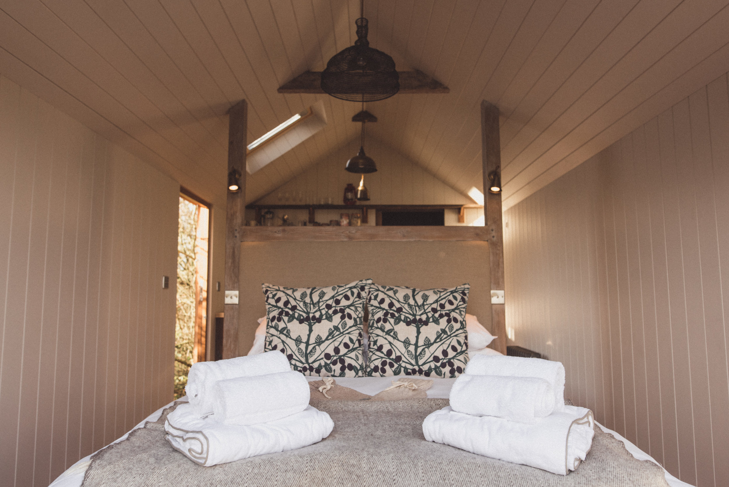 Elmley Damson Shepherd Hut by Rebecca Douglas Photography -213.jpg