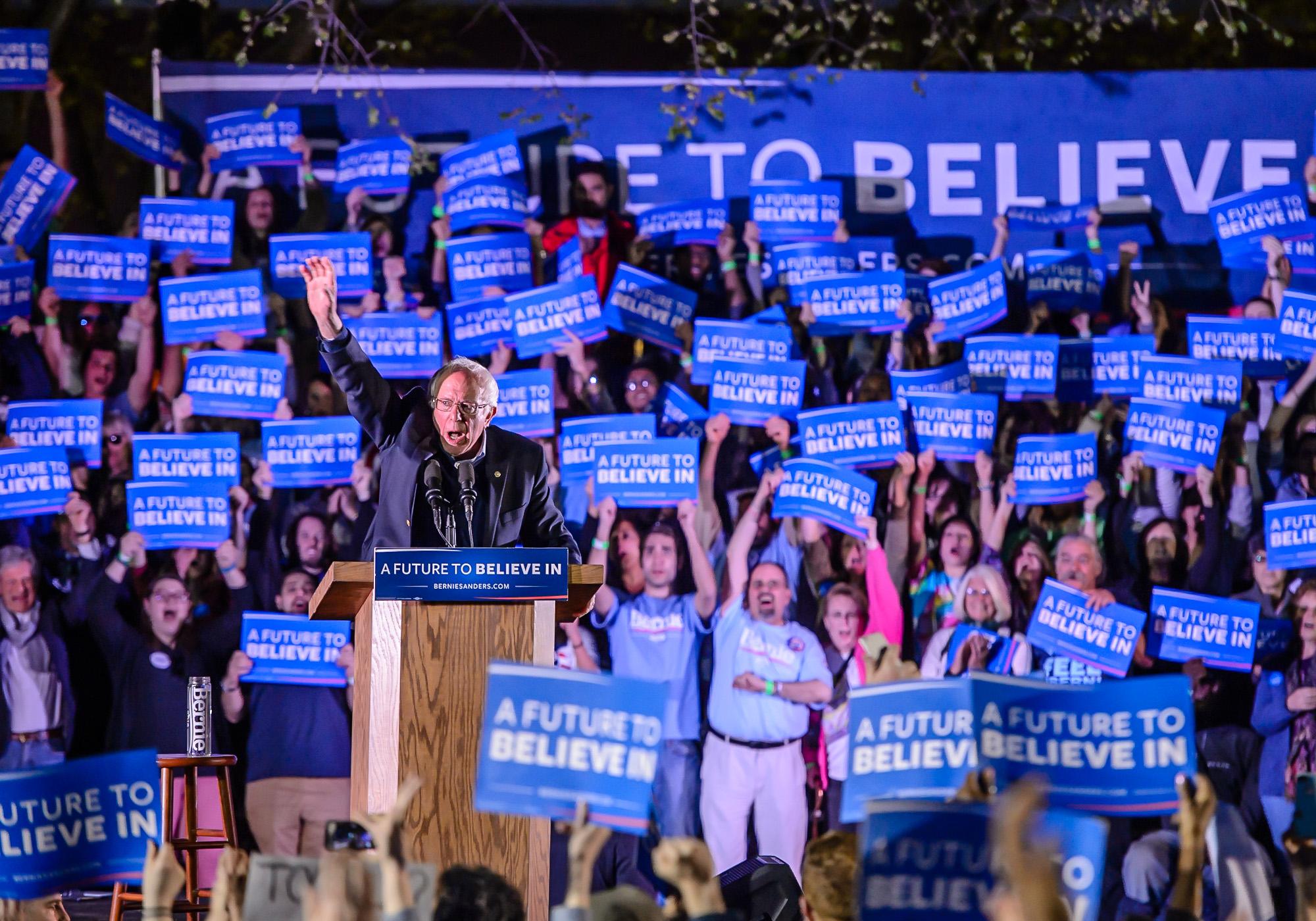 0545_blu_Bernie_Sanders_rally_inNewHaven.jpg