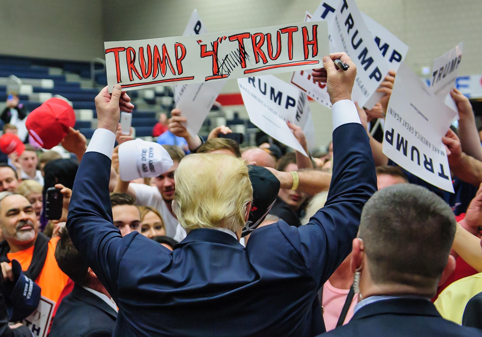 1134_blu_Trump_rally_in_Waterbury.jpg