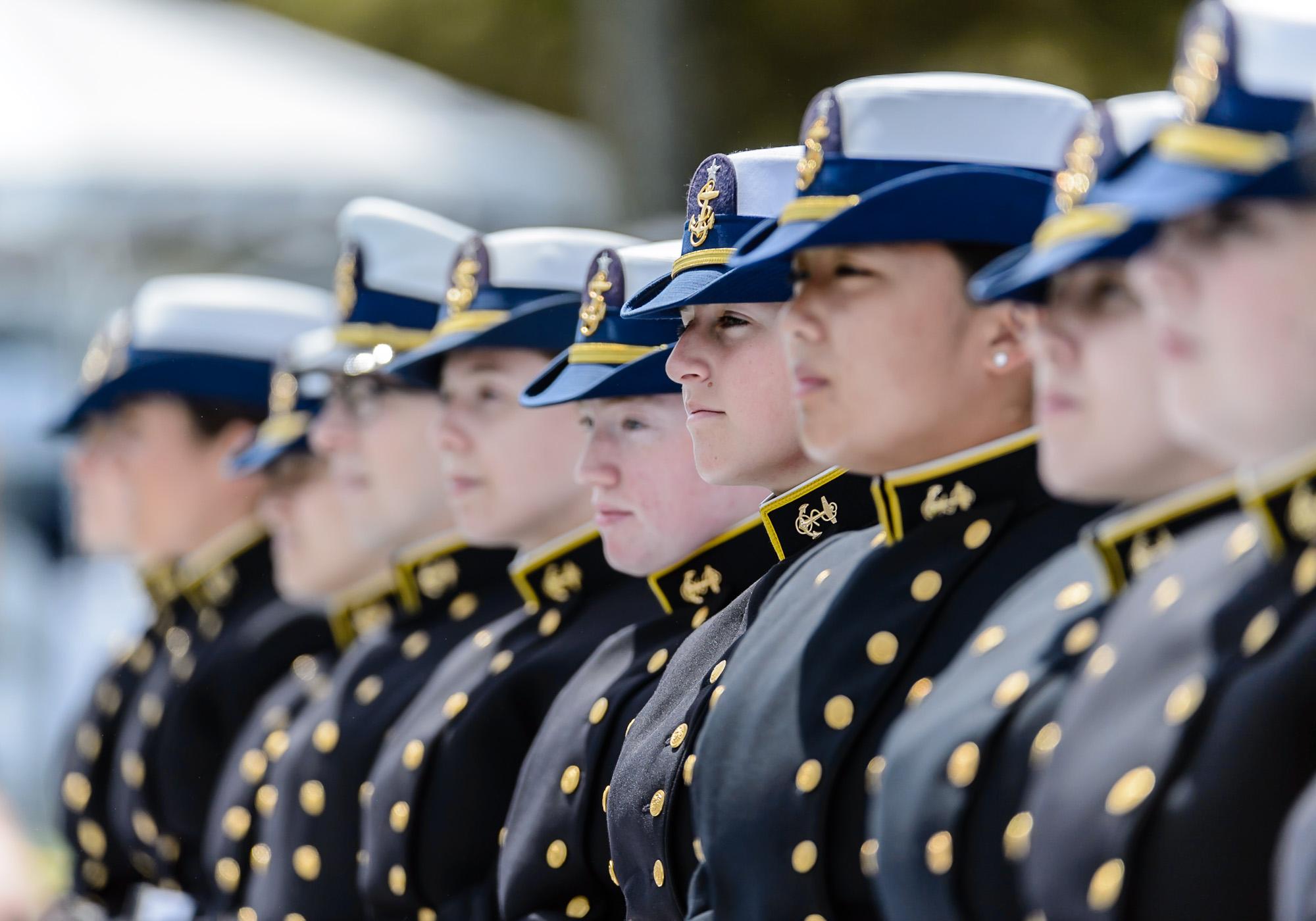 1413_blu_Obama@Coast_Guard_Academy_Graduation.jpg