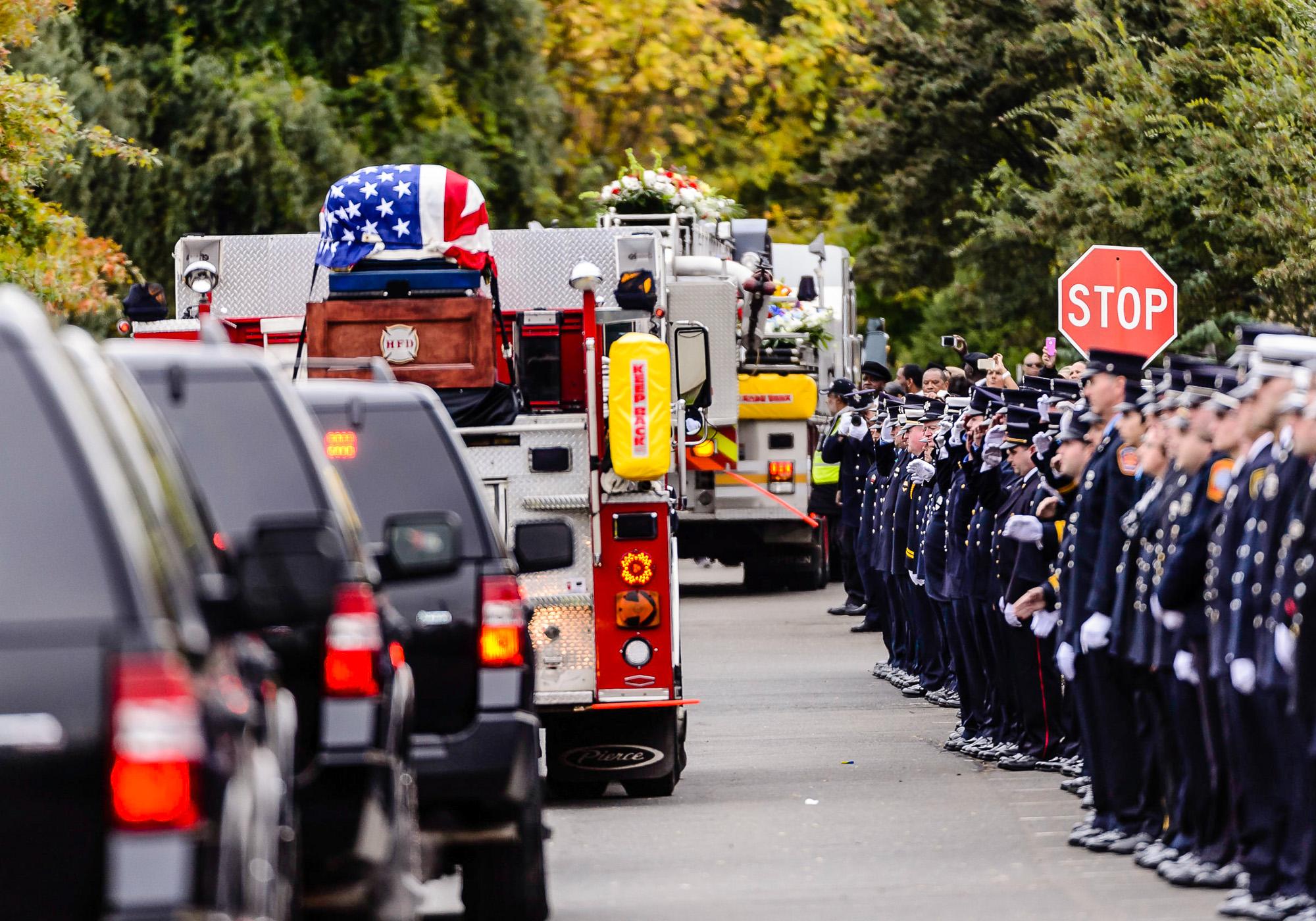 Blu_043420141013Funeral_for_Hartford_fireman.jpg