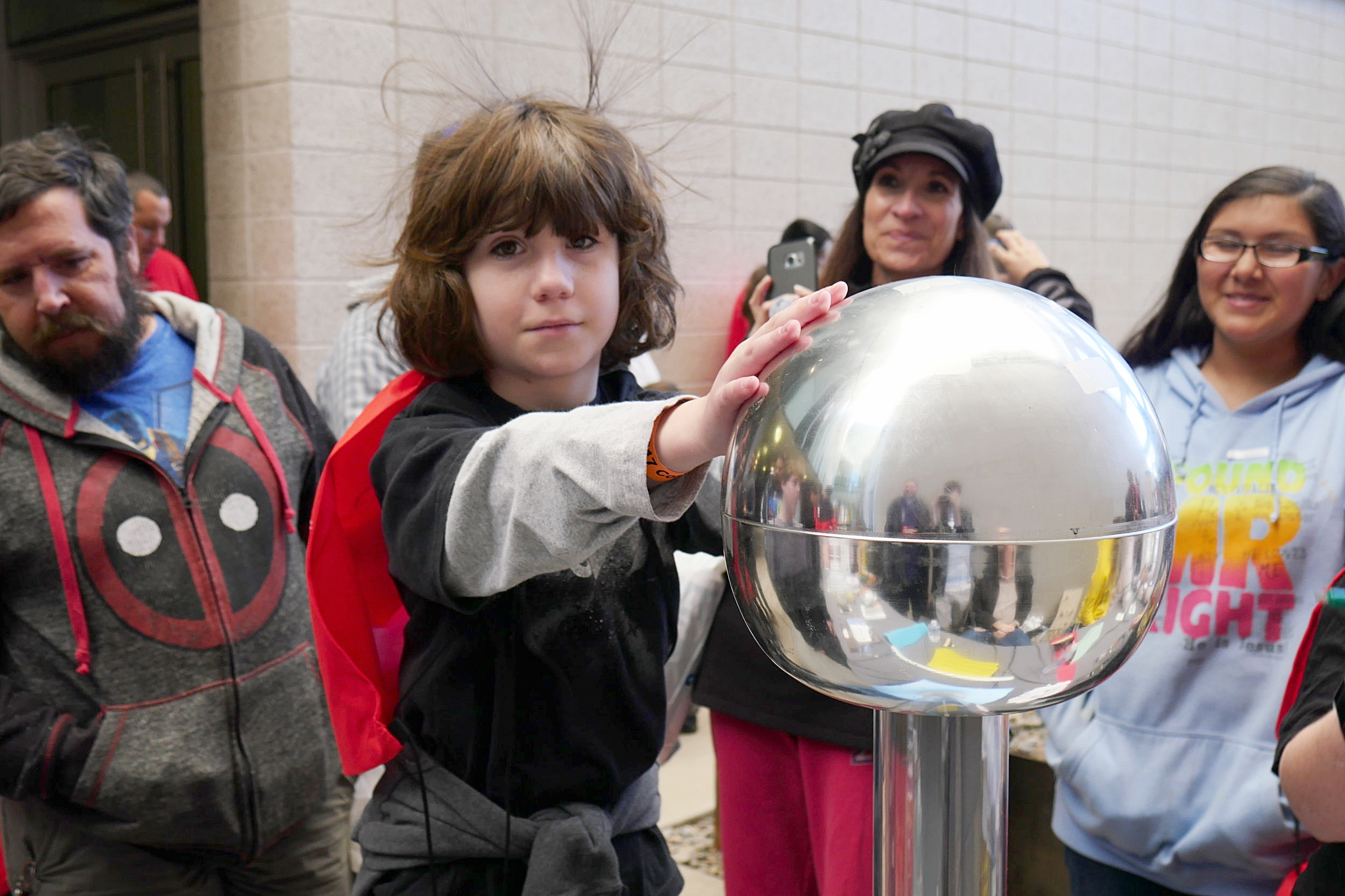 Dillon, 9, discovers the shocking truth about static electricity. (Nicholas Serpa/DD)
