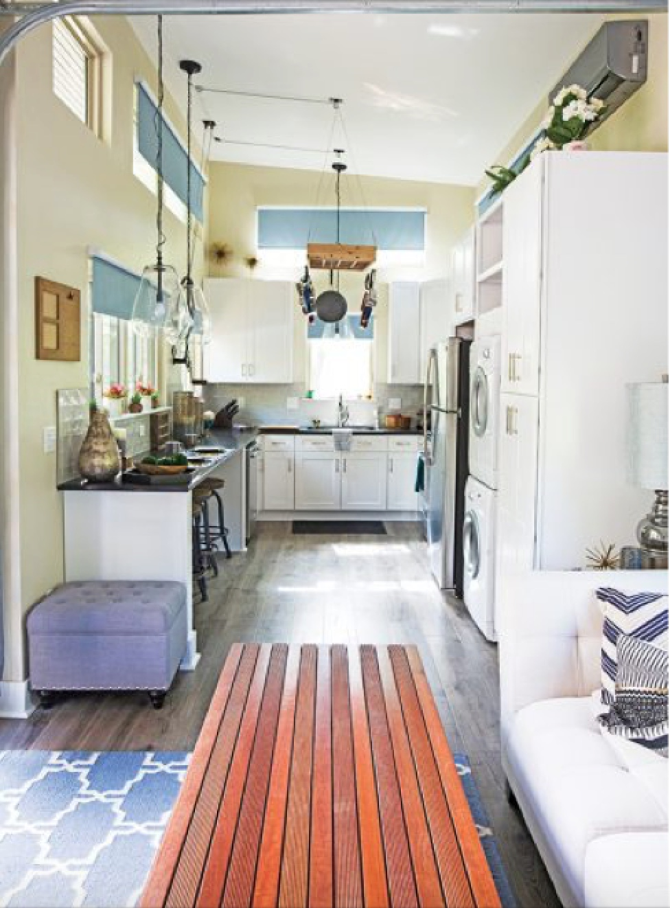 4 kitchen interior.jpeg