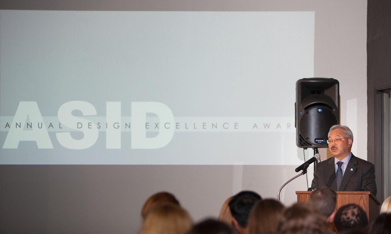 Design-excellence-award-2015-w-111.jpg