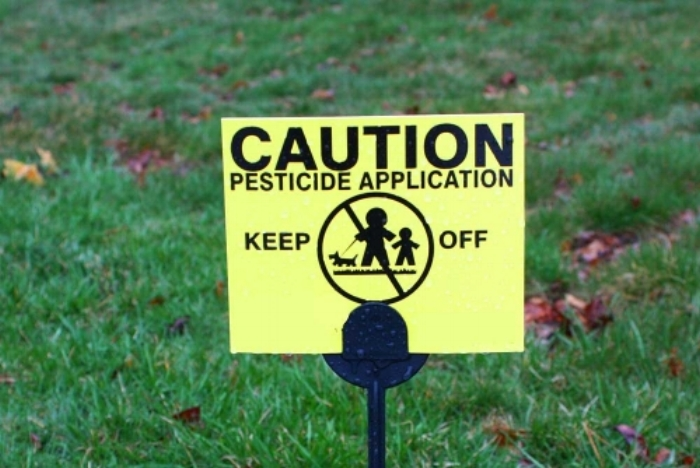 Conventionally treated lawns are unsafe for children, pets and wildlife.