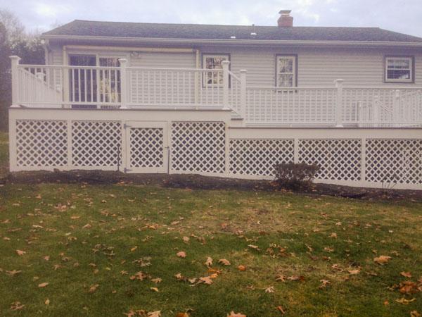 deck-lattice-railing.jpg