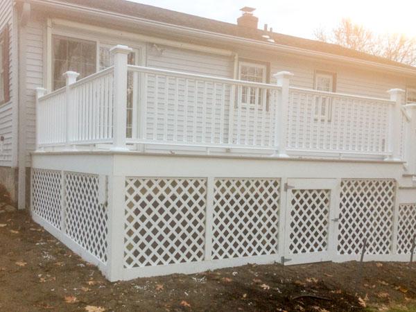 deck-railing-lattice.jpg