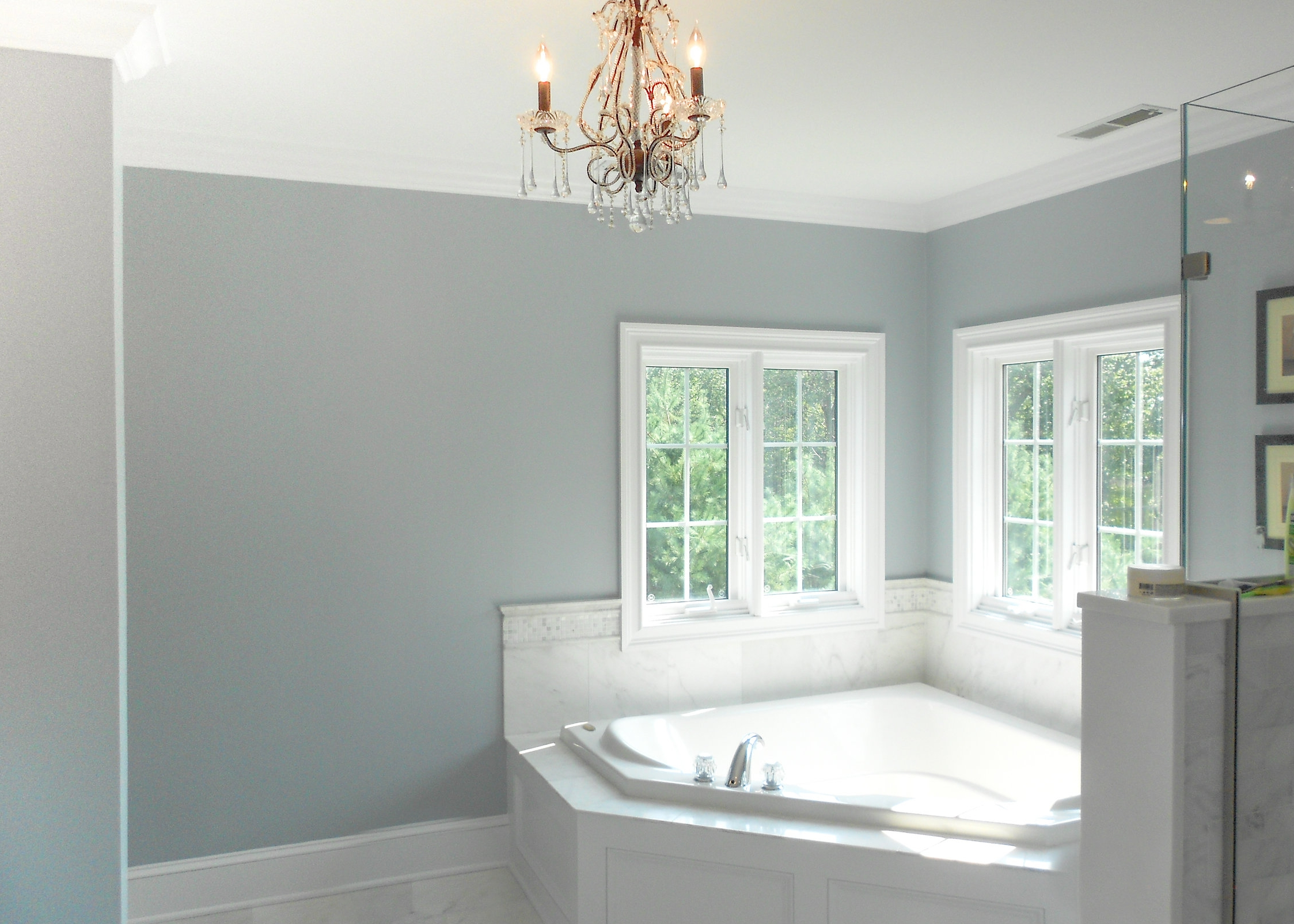 bathroom-jacuzzi-tub.jpg