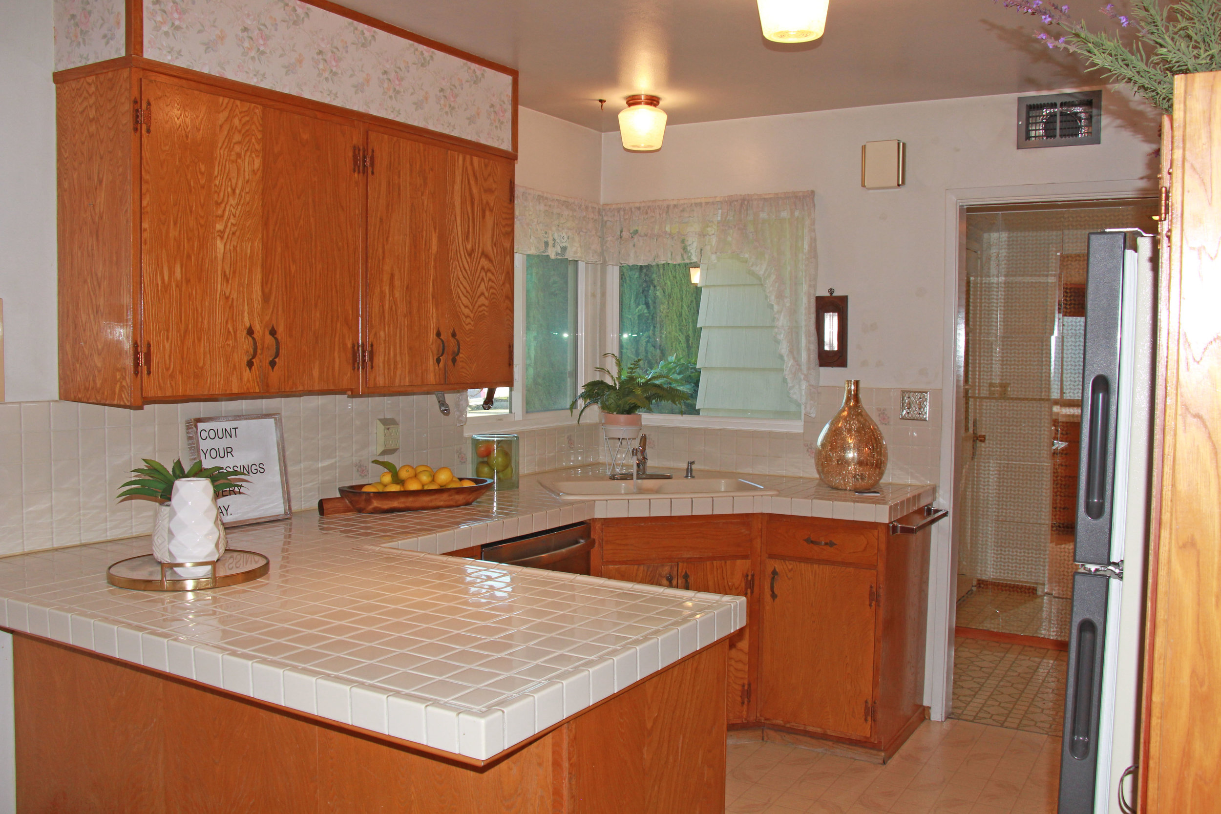 kitchen from dining.jpg