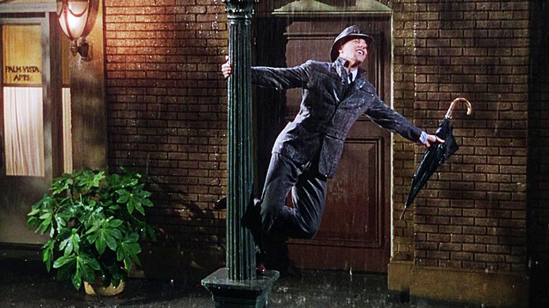 Gene-Kelly-Singing-in-the-Rain.jpg