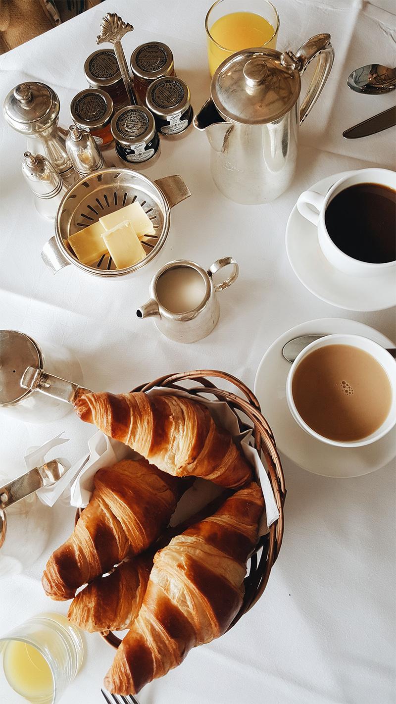 Theseptemberchronicles_dorset_breakfast.jpg